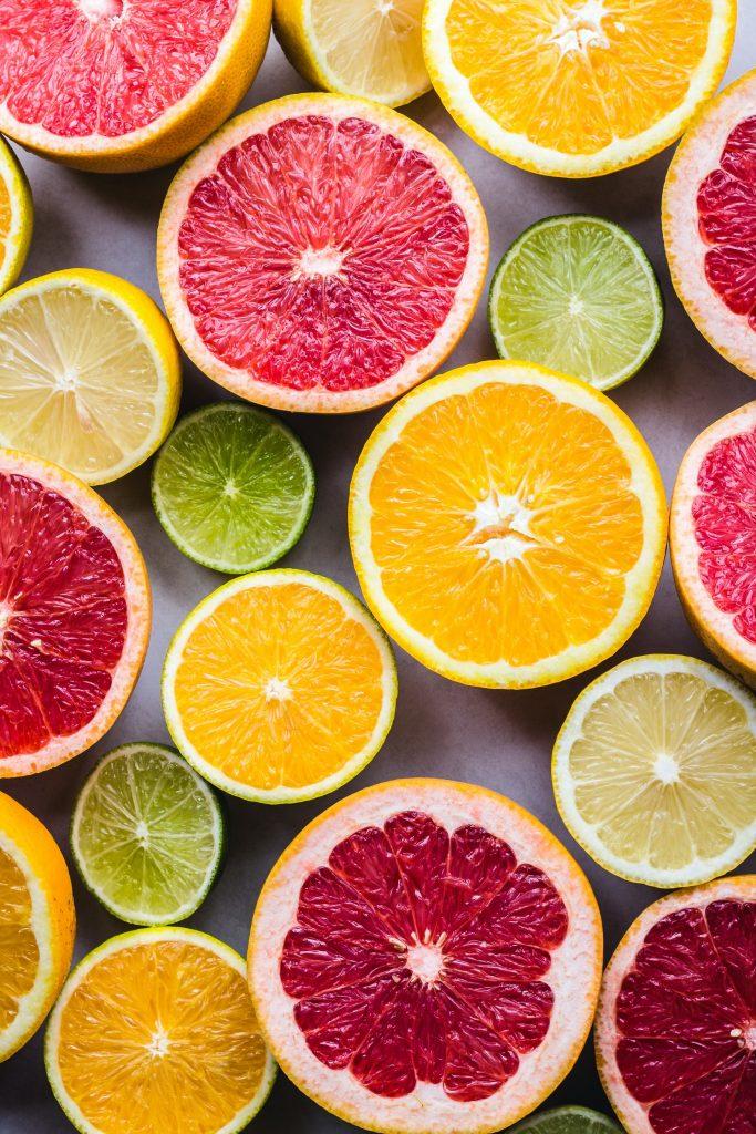 halves of oranges and grapefruit